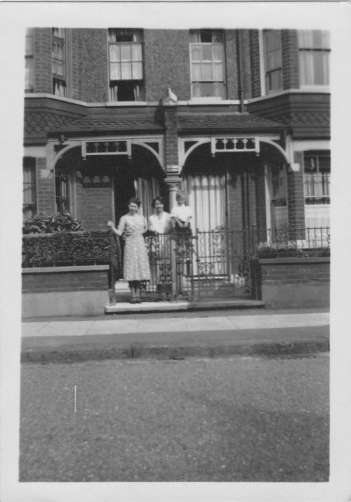65 Ashen Grove (1)_with Raymond and Ethel